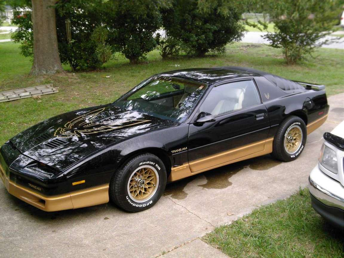 Pontiac Firebird Trans Am #8856404