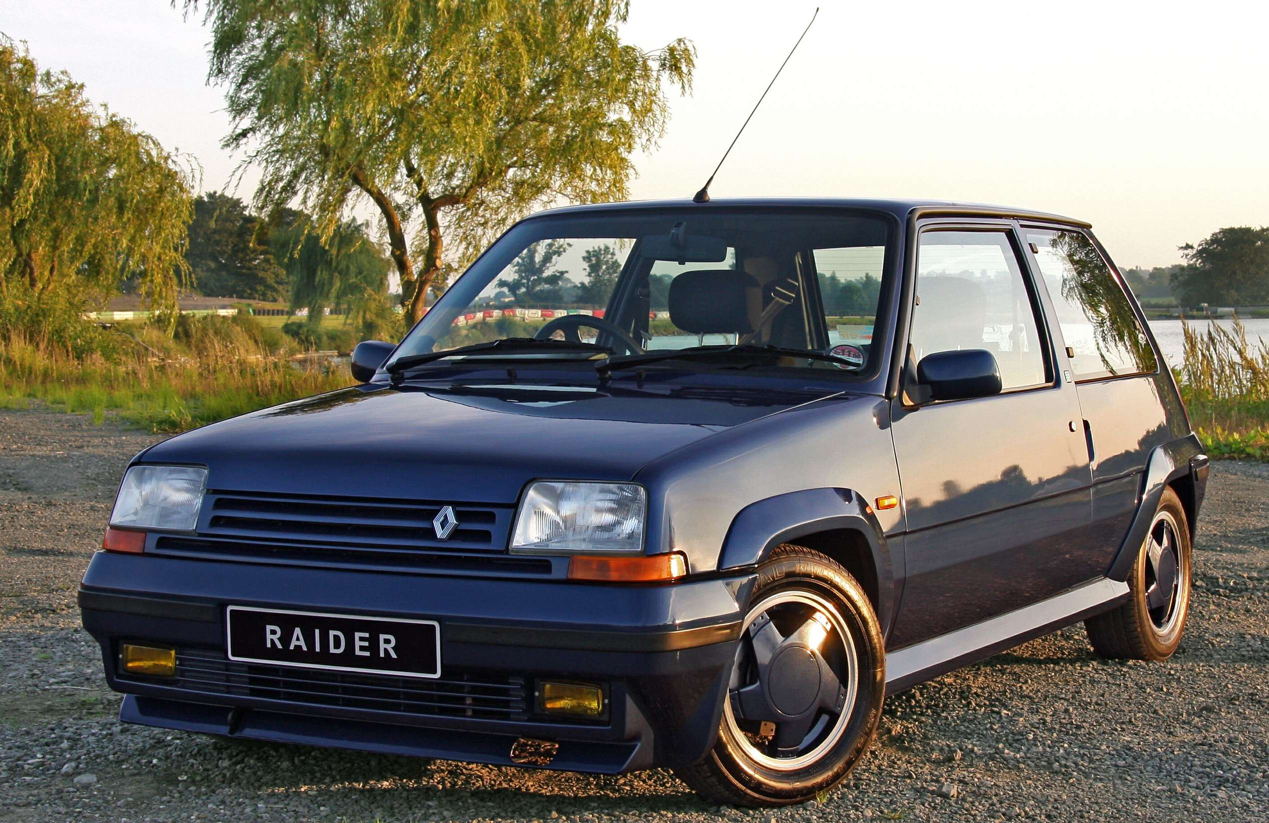 Renault 5 GT Turbo #7711896
