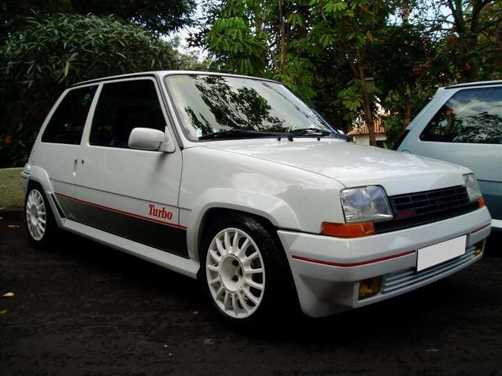 Renault_5_GT_Turbo