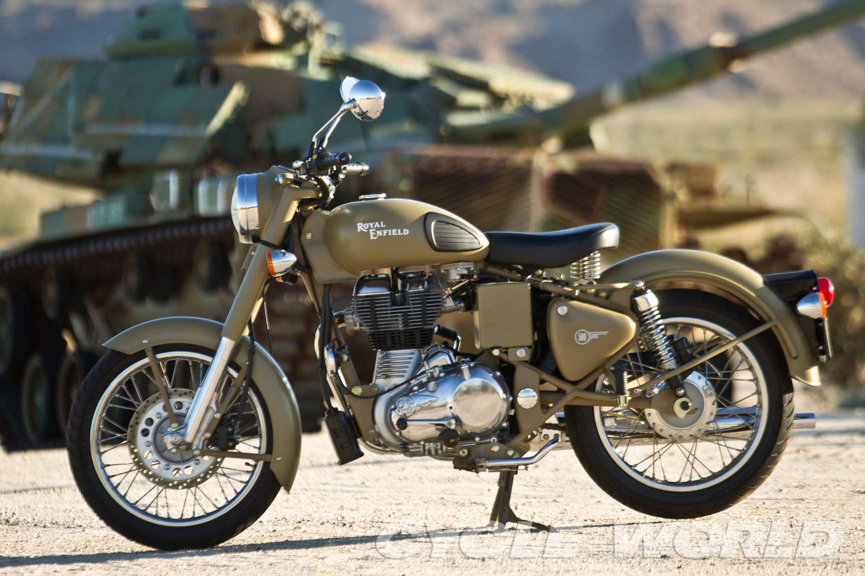 Royal Enfield Classic 500 #8688909