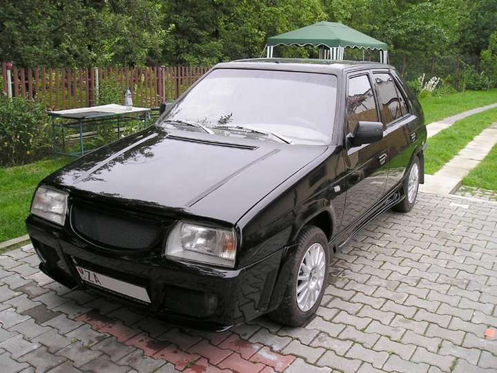 Skoda Favorit #8672289