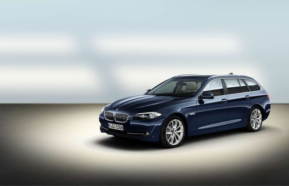 BMW 5-series Touring #8986898