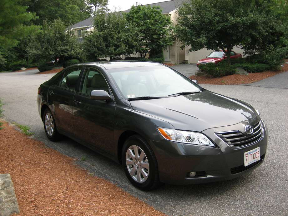Toyota Camry XLE #8927373