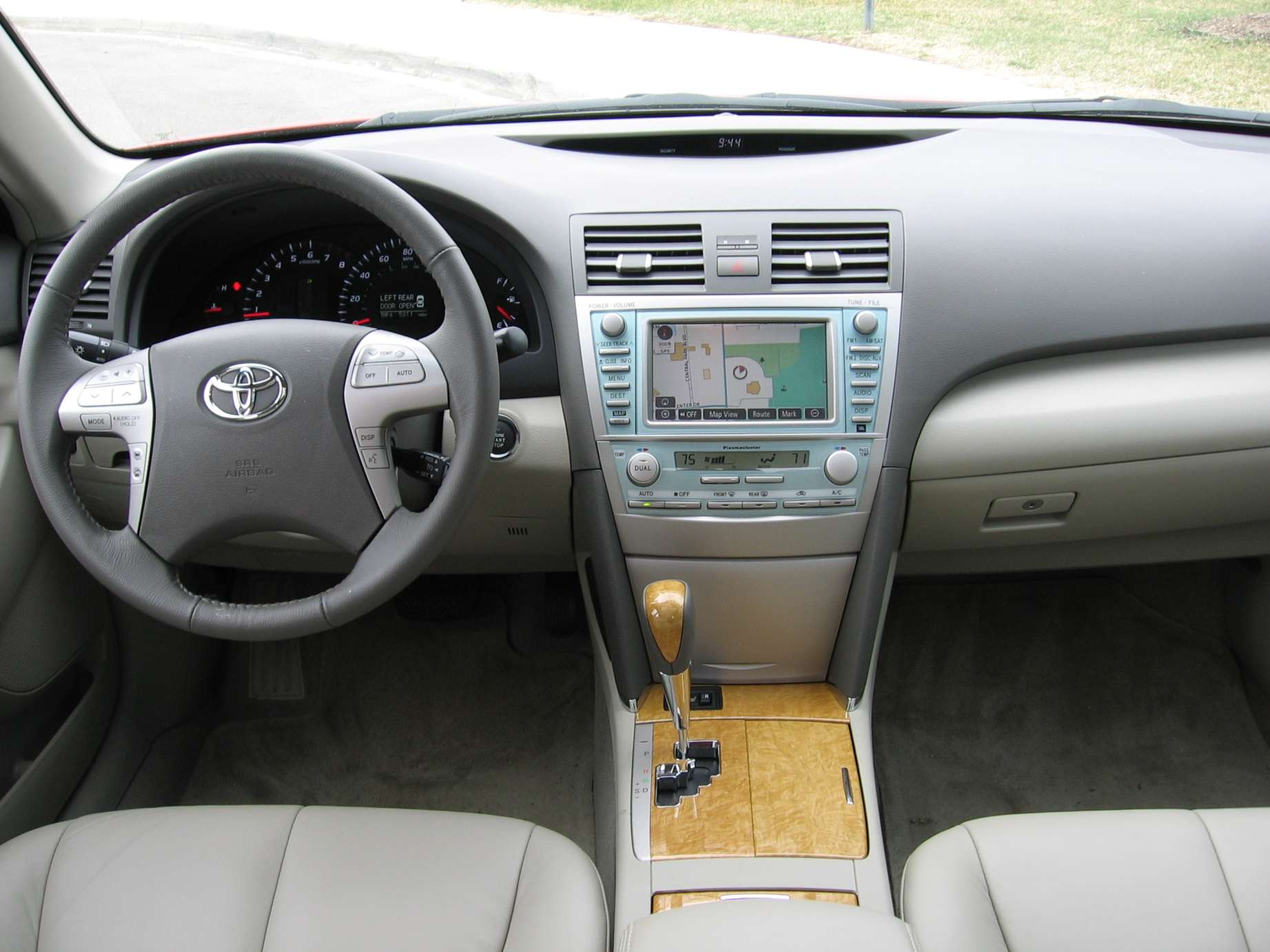 Toyota Camry XLE #7288578