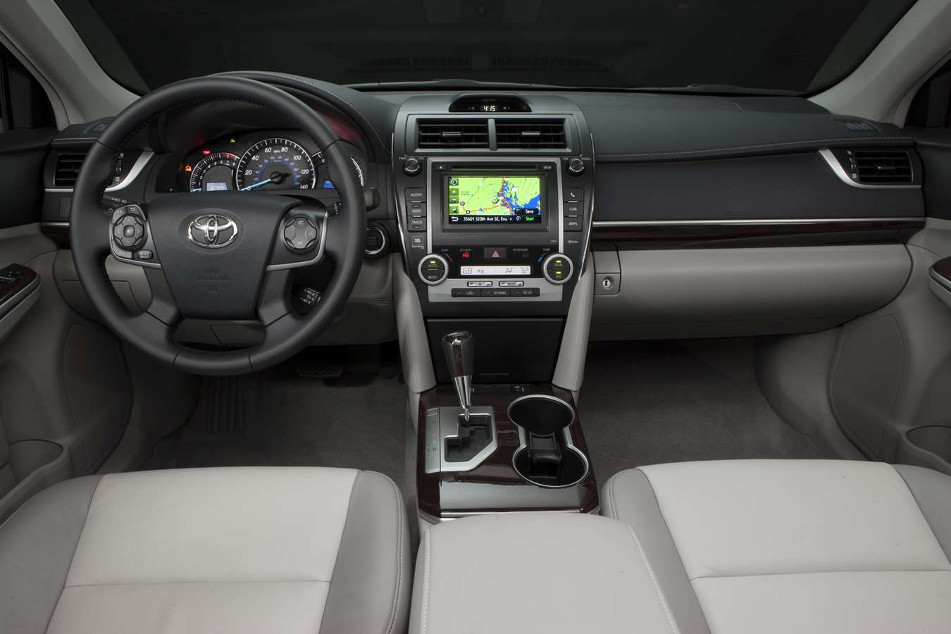 Toyota Camry XLE #7917409