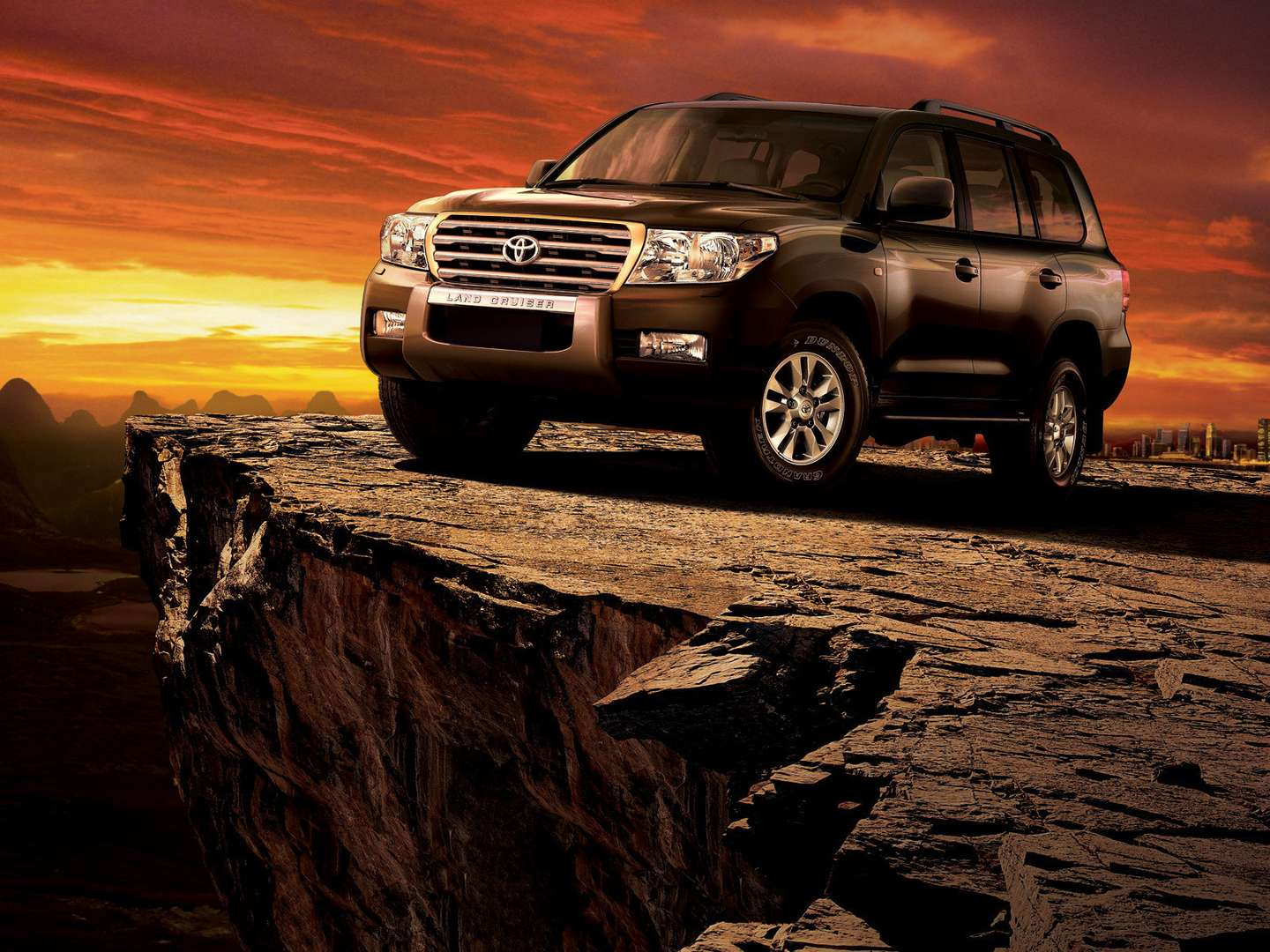 Toyota Land Cruiser 200 #8086673