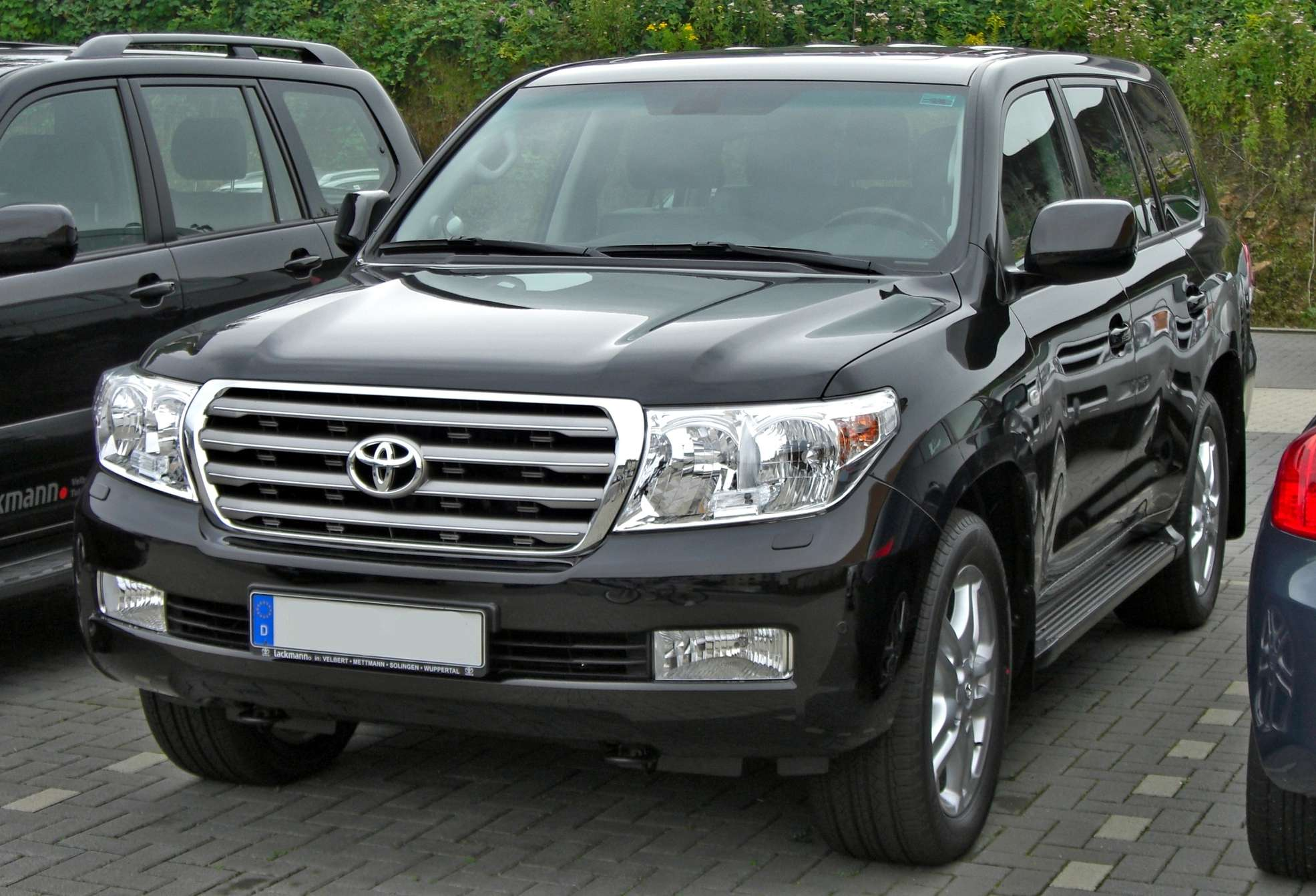Toyota Land Cruiser V8 #8371695