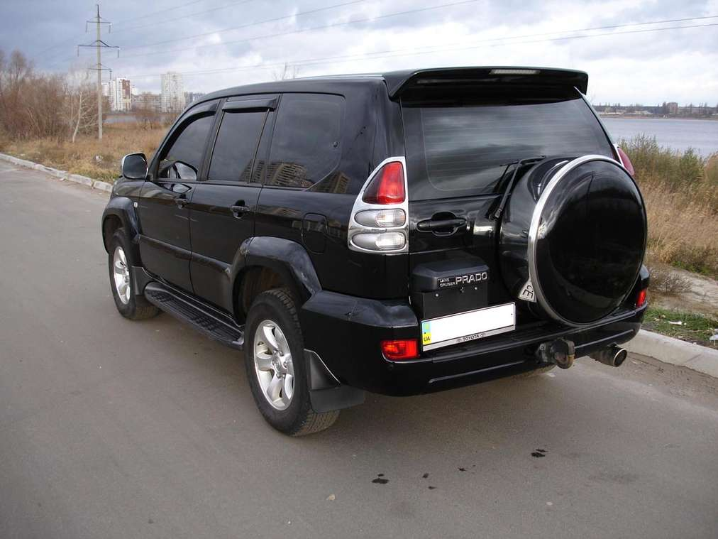 Toyota Land Cruiser Prado #8913918