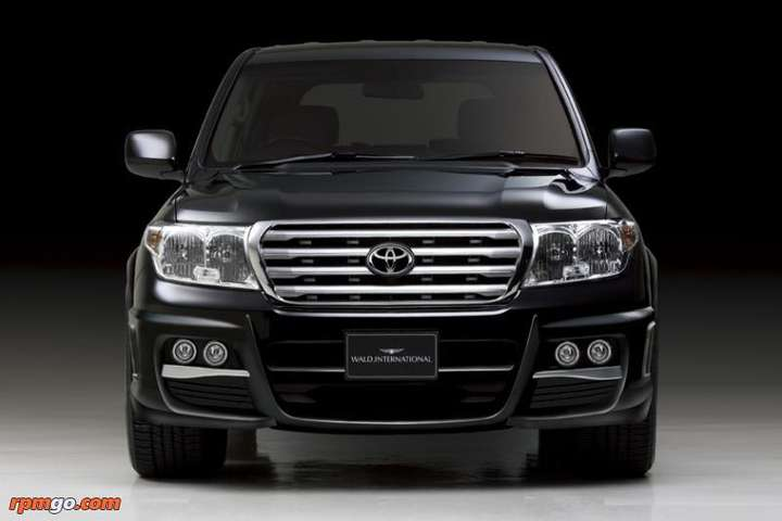 Toyota Land Cruiser V8 #9834919