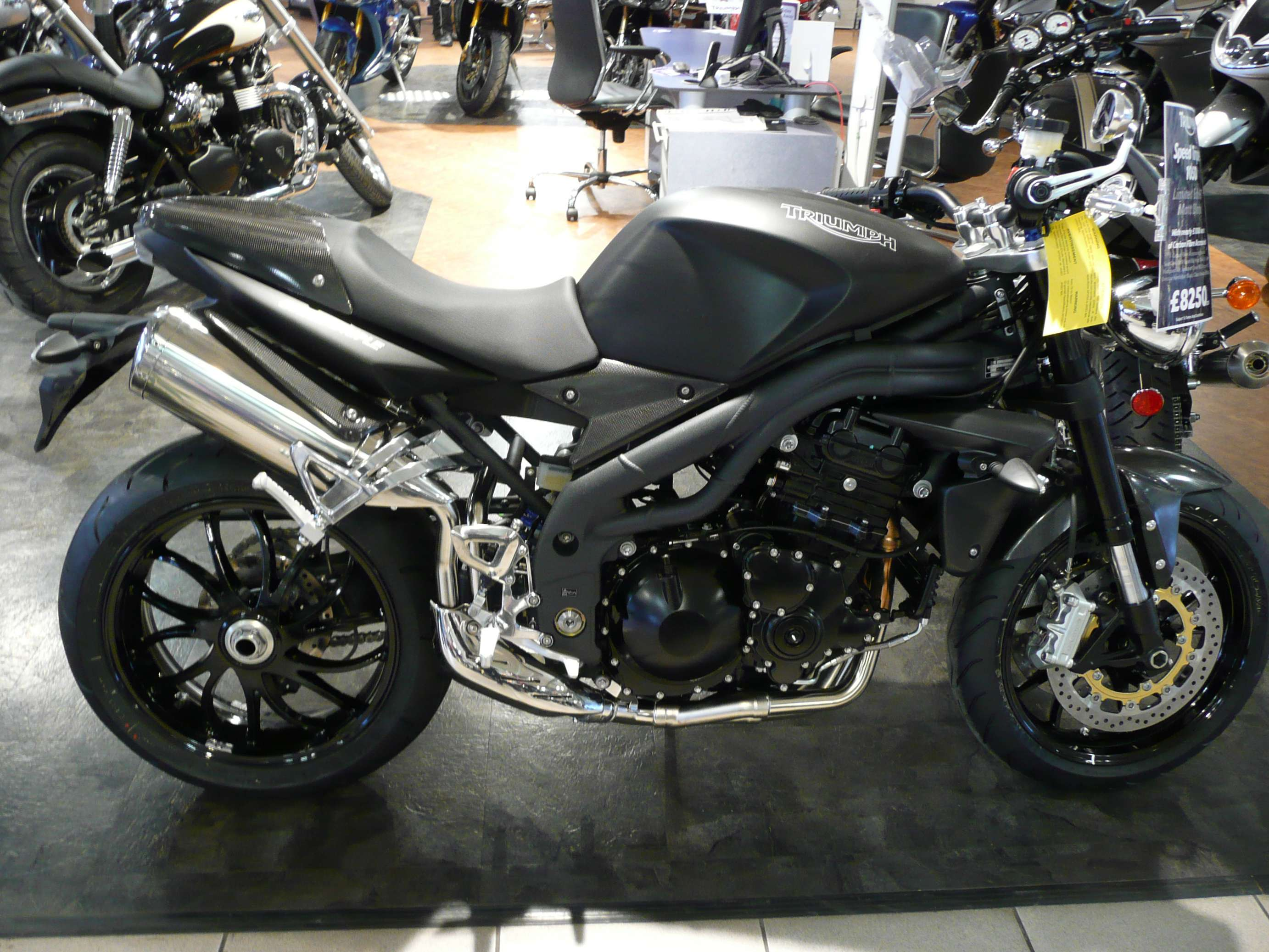 Triumph Speed Triple 1050 #7044090