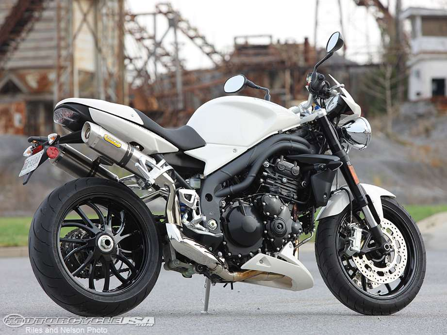 Triumph Speed Triple #8467259