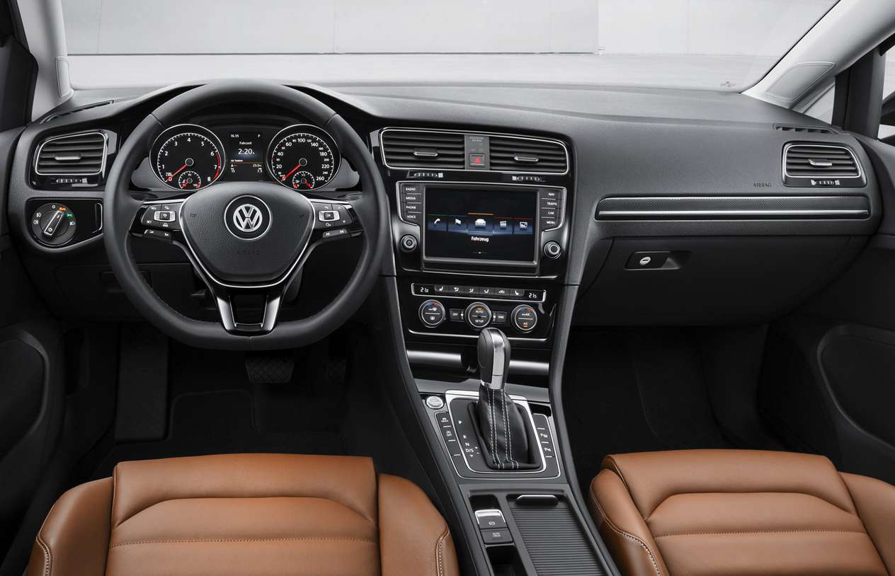 Volkswagen Golf #9883986