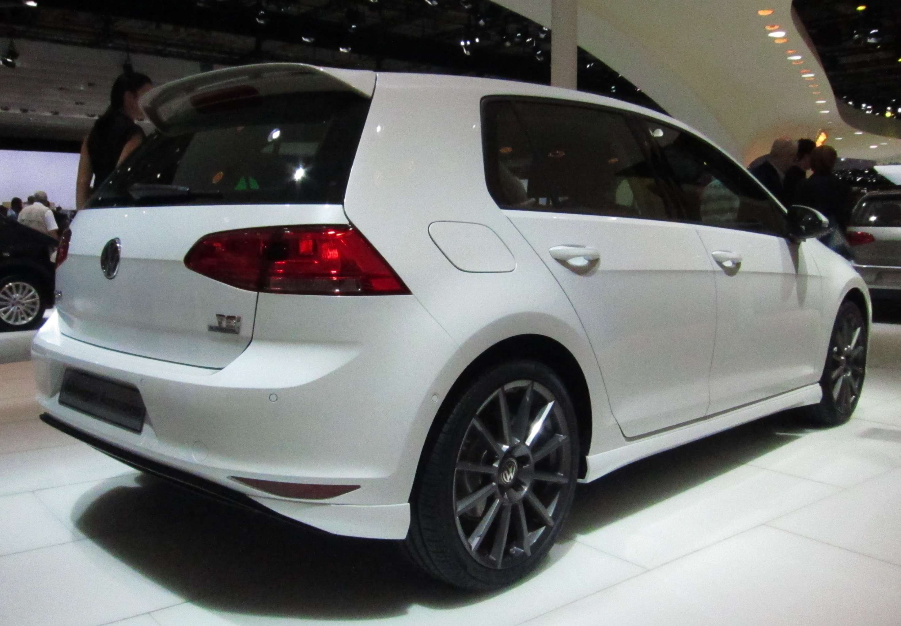 Volkswagen Golf #8039310