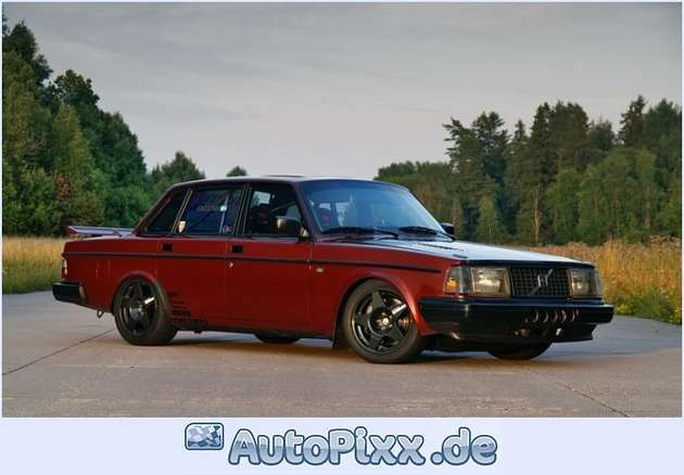 Volvo 240 Turbo #9312614