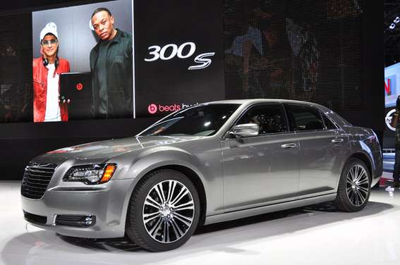 Chrysler 300S #7956376