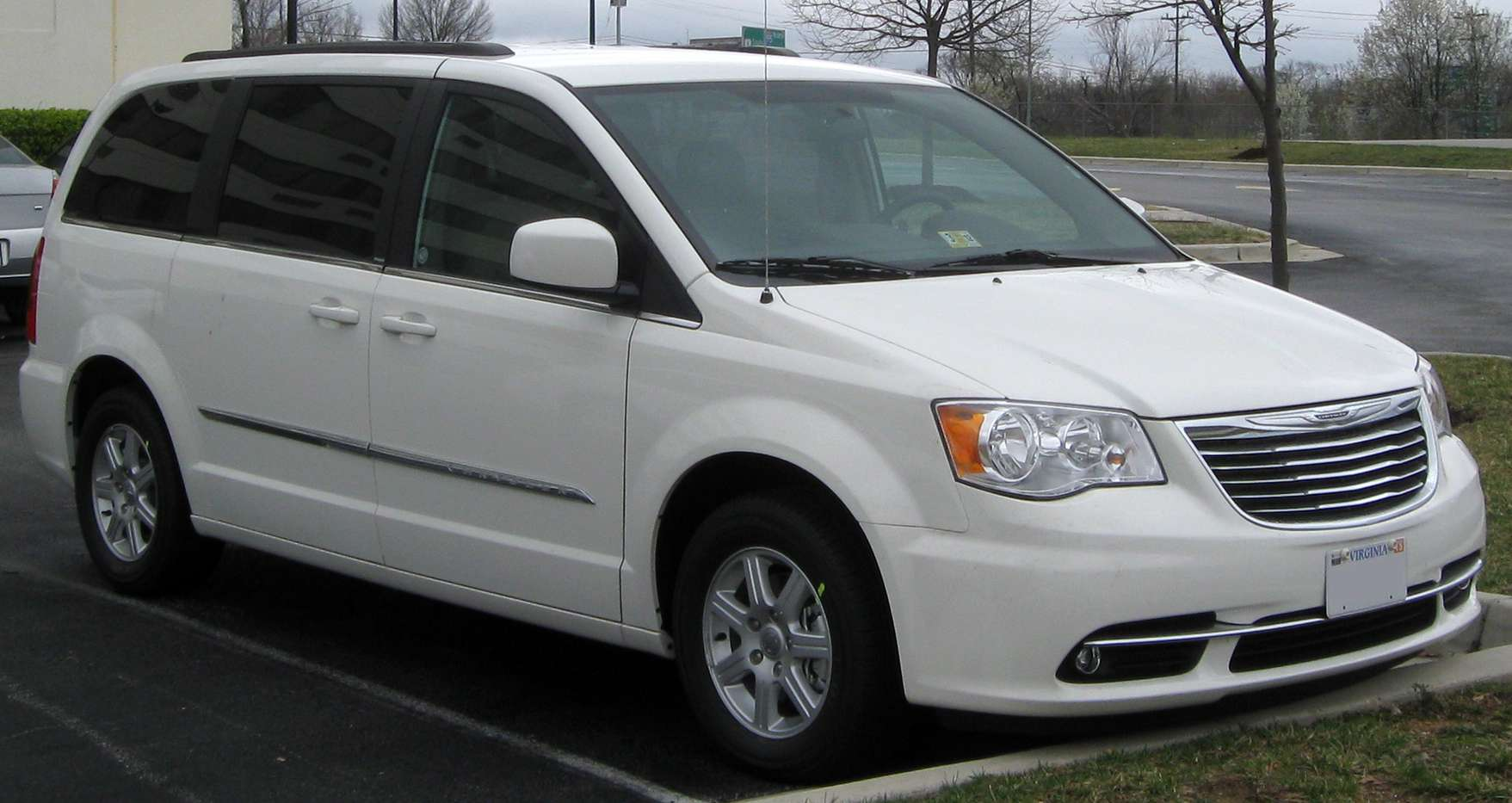 Chrysler Caravan #7168487