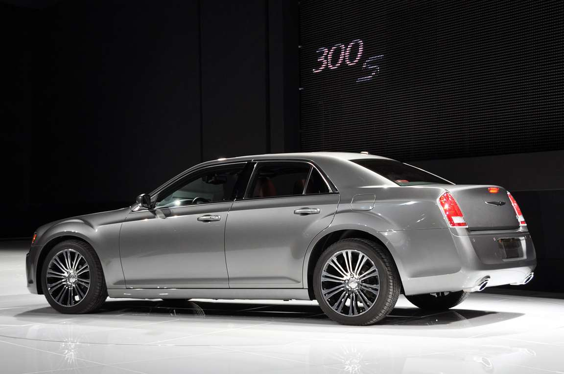 Chrysler 300S #7996763
