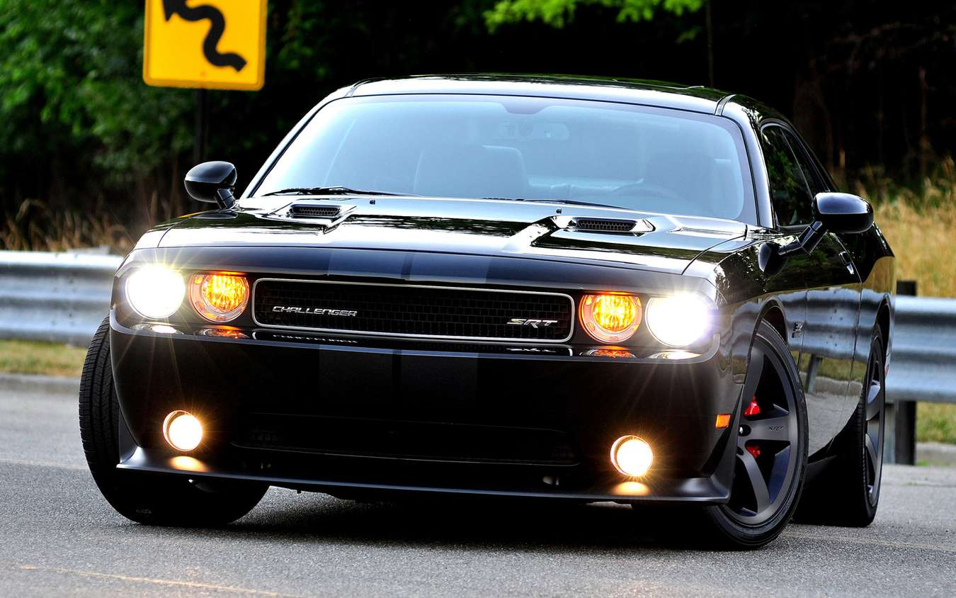 Dodge Challenger SRT8 #8230123