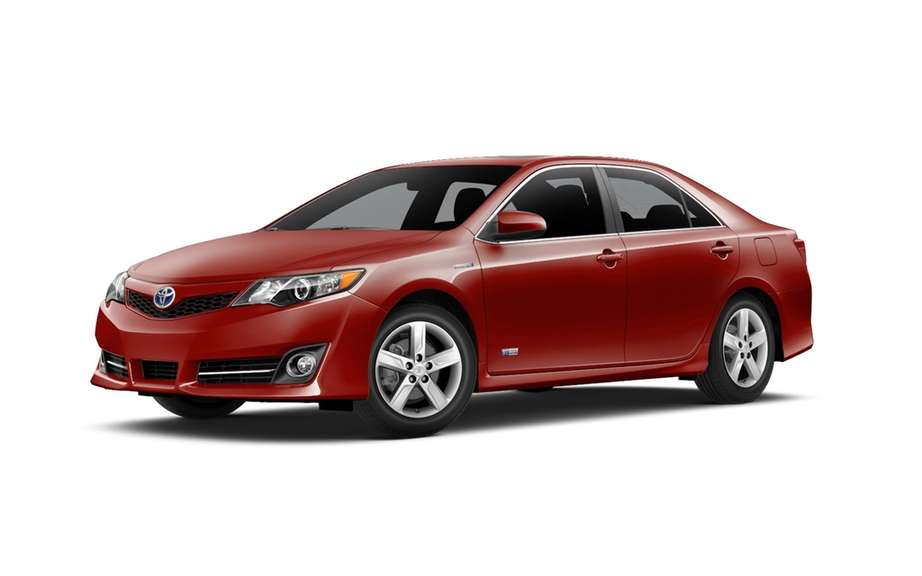 Toyota recalls 30,000 hybrid Camry in the USA picture #4