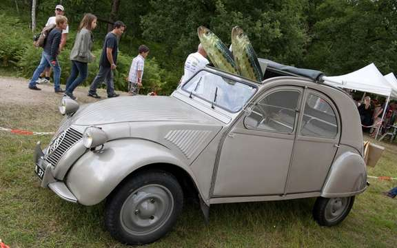 The 19th World Meeting of Friends of the Citroen 2CV beats records of participation picture #3