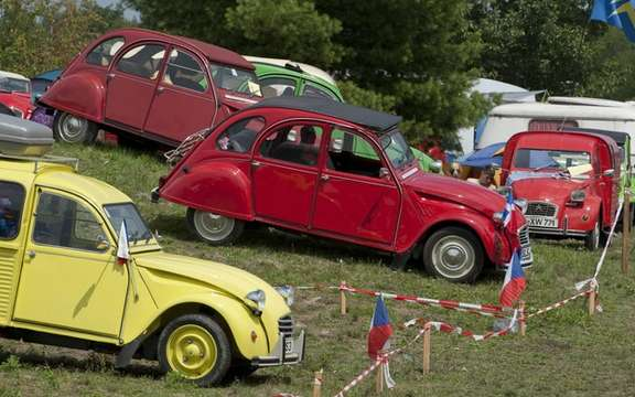 The 19th World Meeting of Friends of the Citroen 2CV beats records of participation picture #4