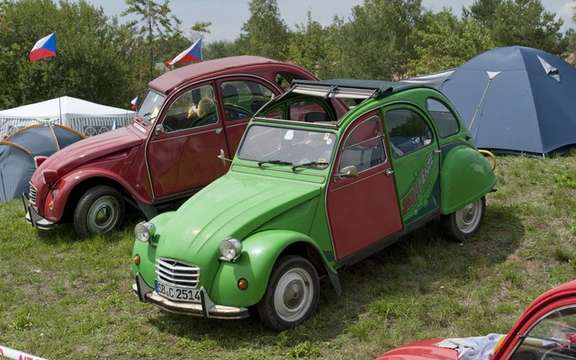 The 19th World Meeting of Friends of the Citroen 2CV beats records of participation picture #5