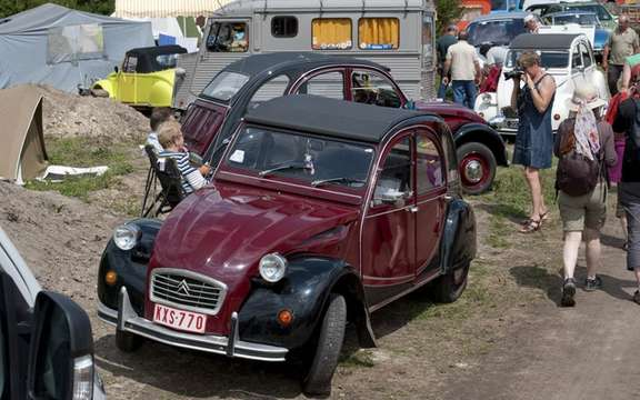 The 19th World Meeting of Friends of the Citroen 2CV beats records of participation picture #6