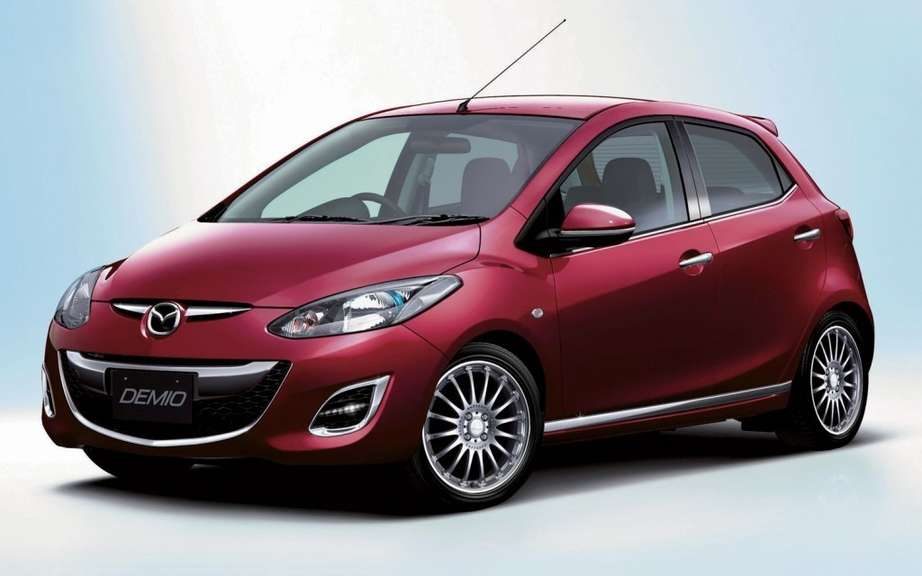 Mazda Demio SKYACTIV 2012: the first in Japan