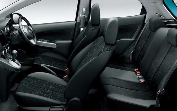 Mazda Demio SKYACTIV 2012: the first in Japan picture #4