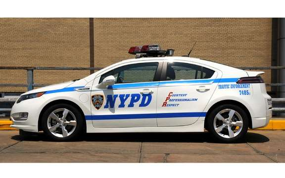 2012 Chevrolet Volt: The City of New York bought 50 copies picture #2