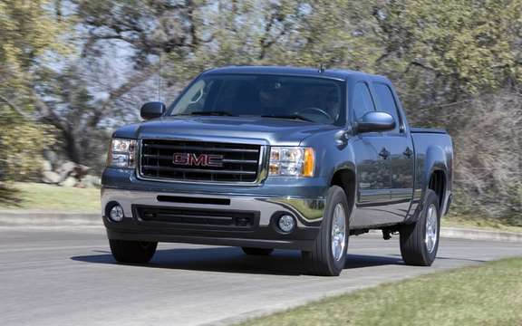 V7 Sierra and Yukon offer a balance of fuel economy and performance picture #1