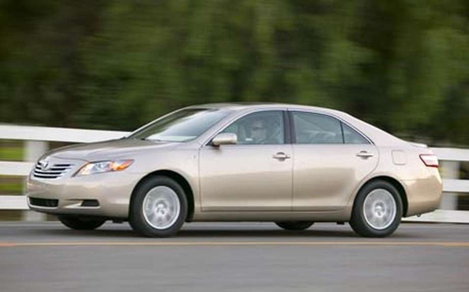 Toyota recalls 30,000 hybrid Camry in the USA picture #9