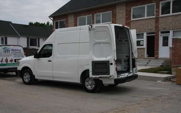 "Nissan NV 2012: A special delivery ""Habitat for Humanity Toronto"" picture #3"