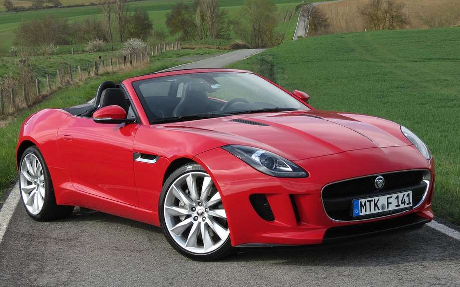 Jaguar F-Type Coupe featured at Super Bowl picture #4