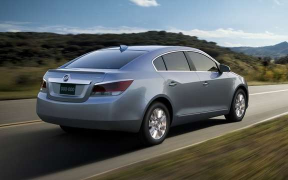 Buick LaCrosse eAssist 2012: charged from $ 35,415