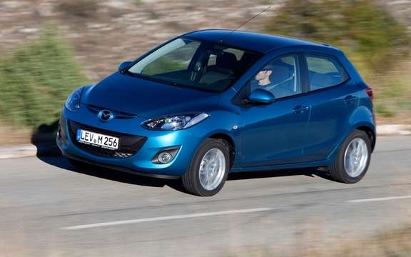 European Mazda2: She won the Auto Environment Award 2011 picture #1