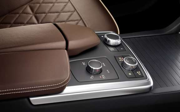 Mercedes-Benz M-Class 2012: A third generation which brings picture #6