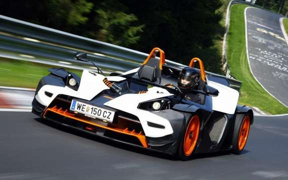 KTM X-Bow R: Belts four points of rigor