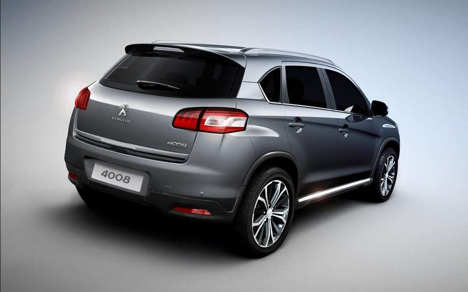 Peugeot 4008: Small Citroen C4 Aircross cousin picture #2