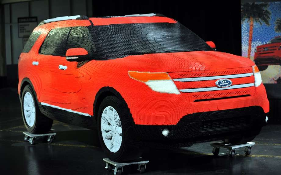 Ford Explorer 2011: reinventing LEGO ® bricks