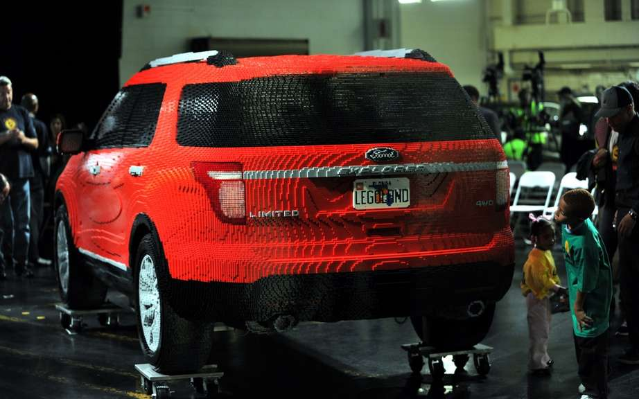 Ford Explorer 2011: reinventing LEGO ® bricks picture #3