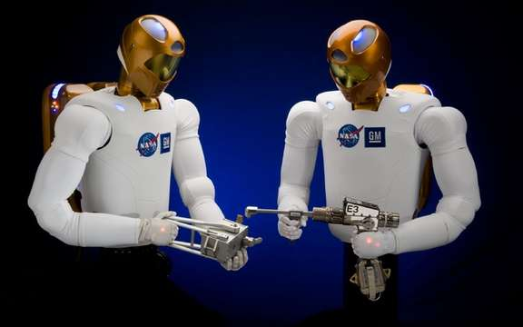 GM presented Robonaut 2, the first humanoid space