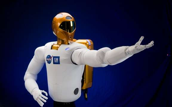 GM presented Robonaut 2, the first humanoid space picture #3