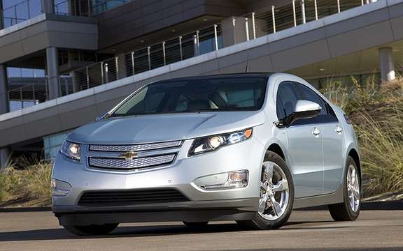2011 Chevrolet Volt: The safest IIHS picture #1