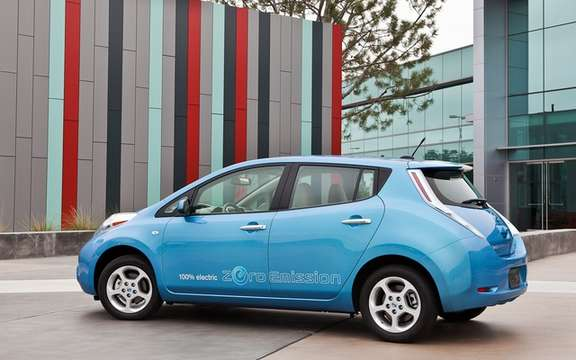 Nissan LEAF 2012: A Facebook page and Twitter feed him dedies picture #3