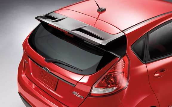 2012 Ford Fiesta: To further customize his car picture #6