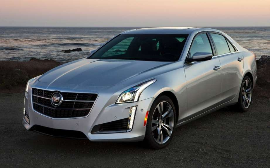 Cadillac: an urban SUV models and a diesel engine picture #4
