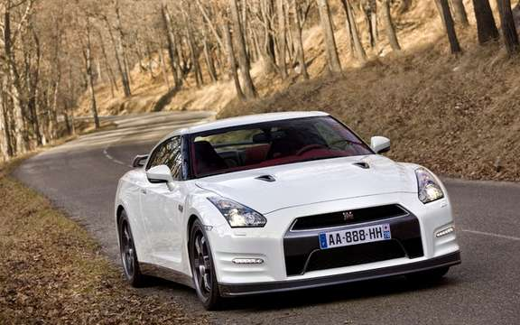 Nissan GT-R Egoist: She wears beautifully name picture #3
