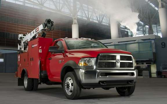RAM Heavy Duty: A turbo diesel engine 800 lb-ft of torque picture #4