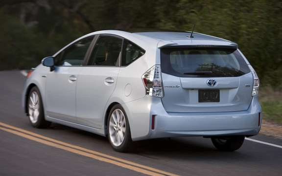 Toyota Prius 2012: Available for this summer picture #3
